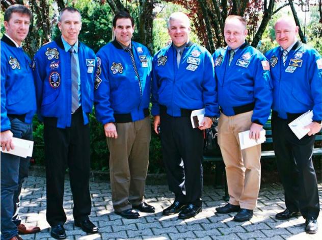 Endeavour Astronauts (AIC)
